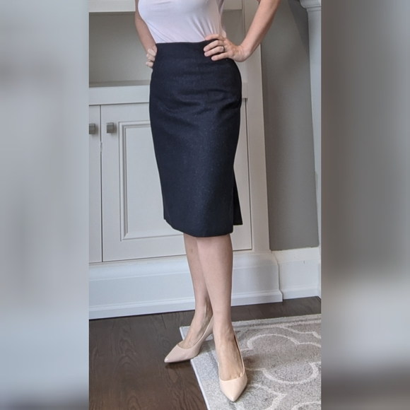 Jones New York wool skirt with mermaid detail
